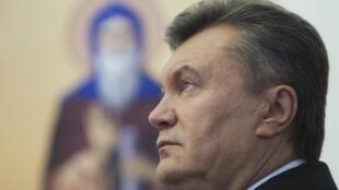 Виктор Янукович на открытии церкви на военной базе в Киеве 26/10/2012